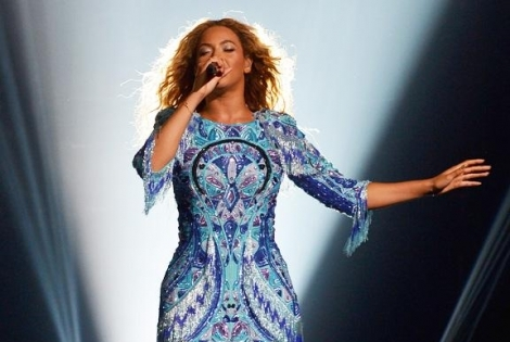 Beyonce Dedicates Medley Performance To Paul Walker