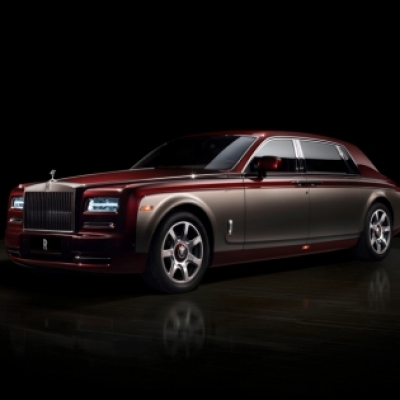 Rolls-Royce Bespoke Pinnacle Travel Phantom