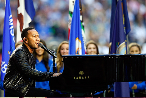 "John Legend Kicks Off Super Bowl XLIX With Performance of ""America the Beautiful"