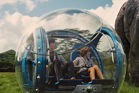 """Here's the """"Jurassic World"""" Teaser From the Super Bowl"""