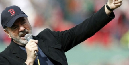 Neil Diamond Surprises Red Sox Fans With 'Sweet Caroline' (Video)