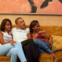 PHOTO: Obama And His Daughters Watch Michelle Obama's Speech
