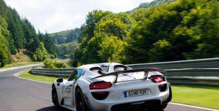 Porsche 918 Spyder – Prototype takes on the Nürburgring-Nordschleife
