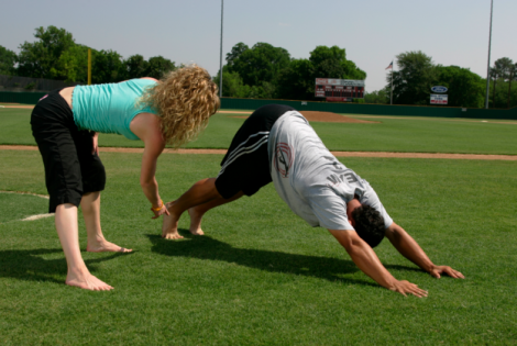 10 Professional Athletes Who Practice Yoga