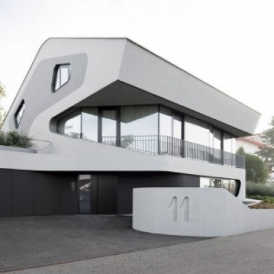 Sustainable and Futuristic Architecture in Stuttgart: OLS House