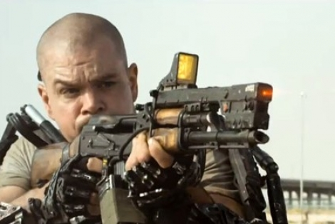 'Elysium' Trailer: Robots, space, swords, explosions, bikinis, Matt Damon