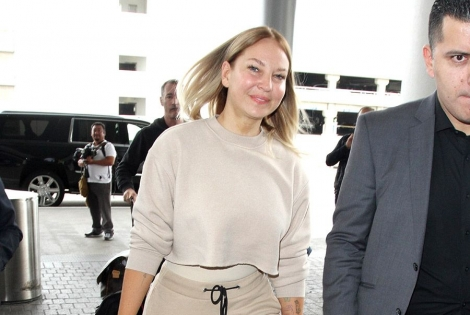 Sia Makes Rare Appearance Without her Wig!
