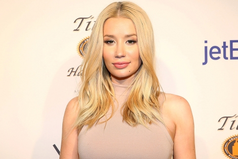 "Iggy Azalea Wants To End Azealia Banks Beef: ""I Don't Want To Keep Fighting"""
