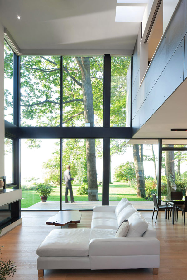taylorsmyth hqroom ru 2 Cost Efficient Modern Residence with Beautiful Lake Views in Canada