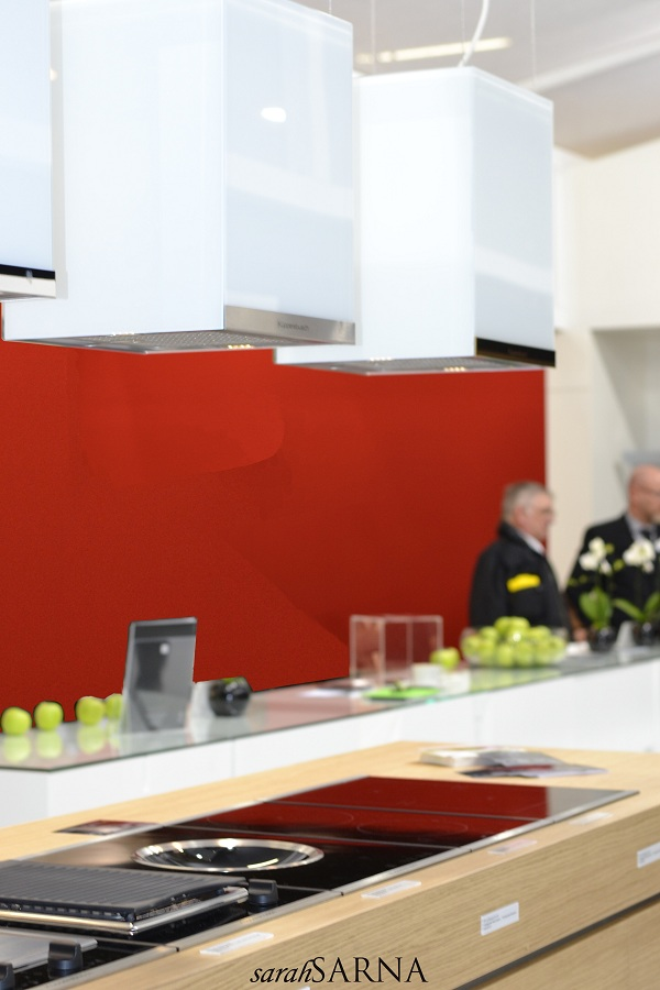 Kuppersbusch floating white hood Design Bloggers Reveal Their Top Picks from Imm Cologne 2013
