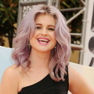 Kelly Osbourne Has Seizure On Fashion Police Set