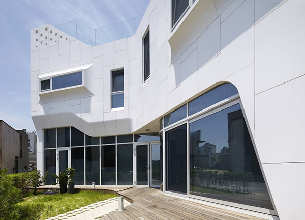 Pangyo House Detail Curvy Eccentric White Residence With Square Perforations