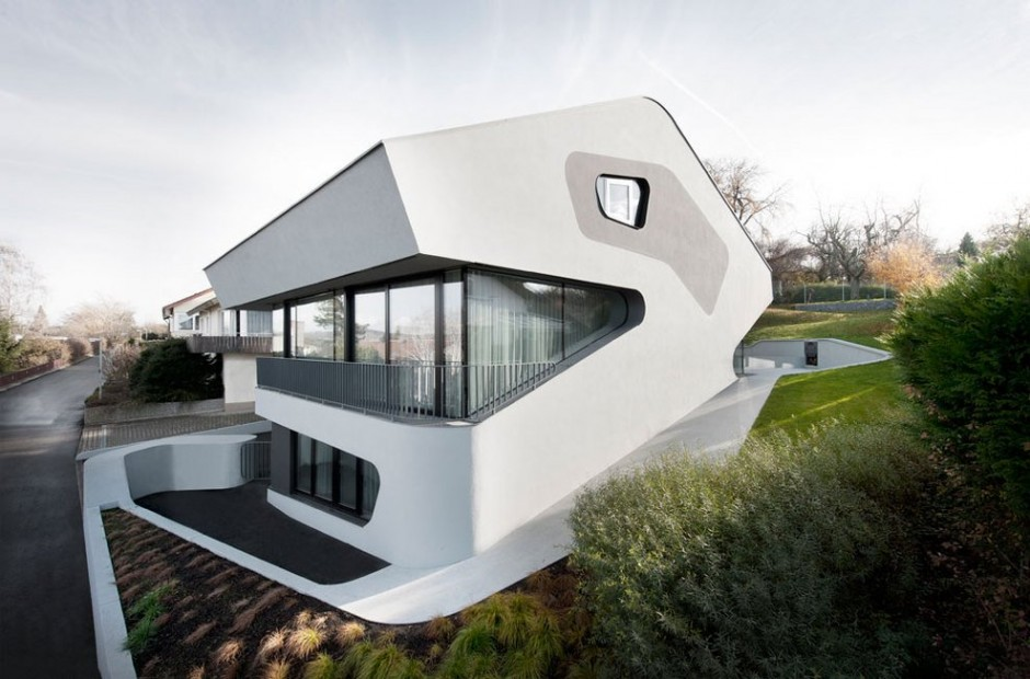 exterior OLS House1 Sustainable and Futuristic Architecture in Stuttgart: OLS House