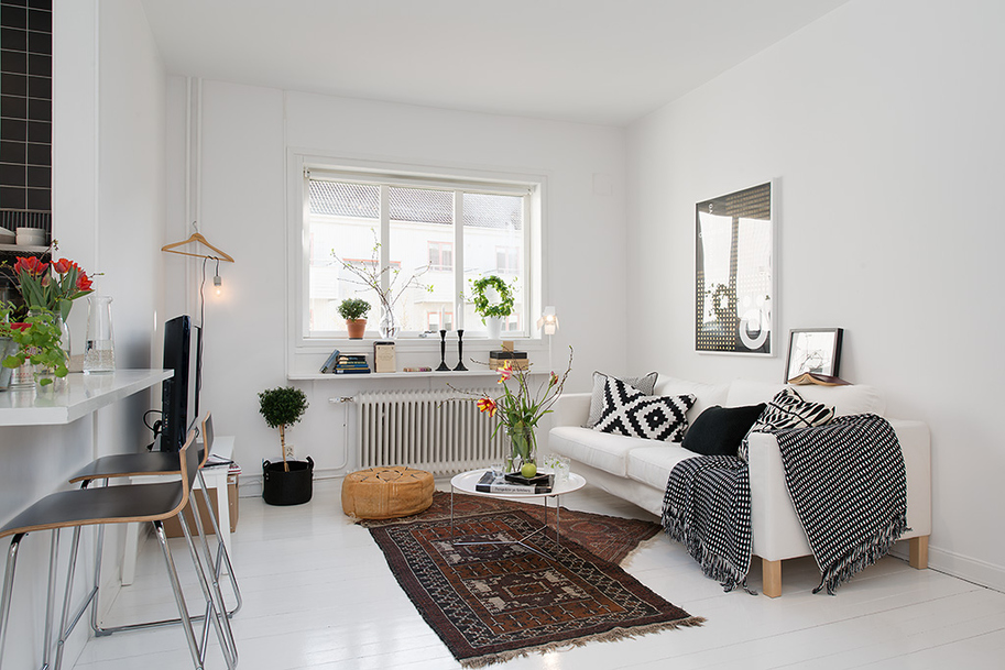 White Room Gothenburgs Exquisite Side: Small Apartment Tastefully Designed