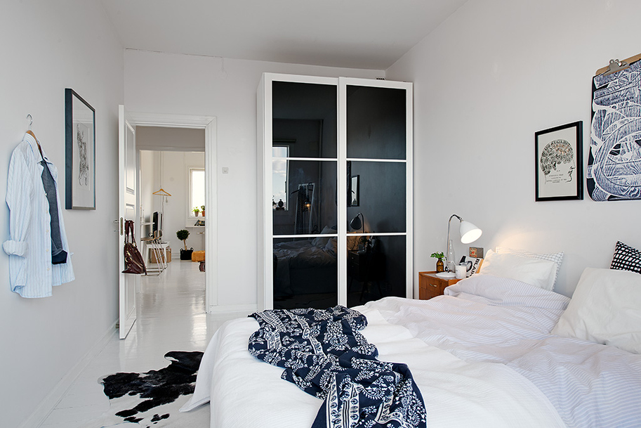 Bedroom White Gothenburgs Exquisite Side: Small Apartment Tastefully Designed